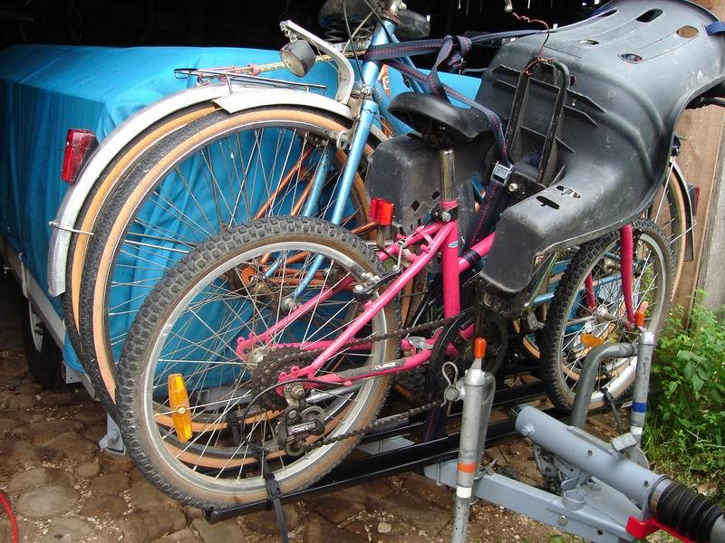 Rapido Confort La Caravane Pliante En Bois Dans Une Contrée Du Perche - Porte vélo caravane sur flèche