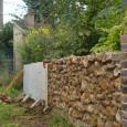 Montage d'un mur à la chaux en opus incertum Dans les années 70, notre cloture a été frappée d'alignement (et le four à pain a été détruit, c'est navrant). Ne...