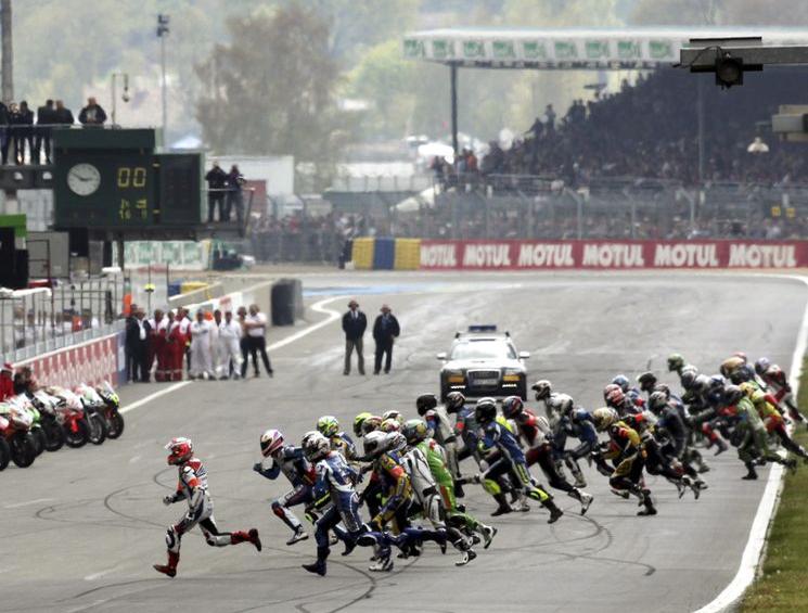 Epreuve créée en 1978, les 24h du Mans sont l'épreuve reine de l'endurance moto mondiale, mais pourquoi une telle réputation ? Le mythe de ce circuit du Mans, est très...