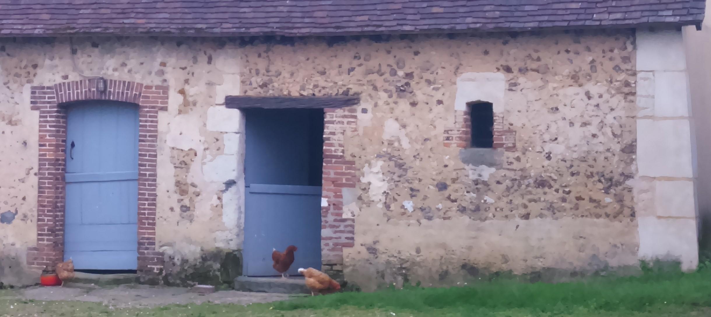 On a beau vivre à la campagne, de surcroît dans un parc régional, y a des couleurs à respecter pour peindre ses portes et fenêtres. Certes si cela peut paraître...