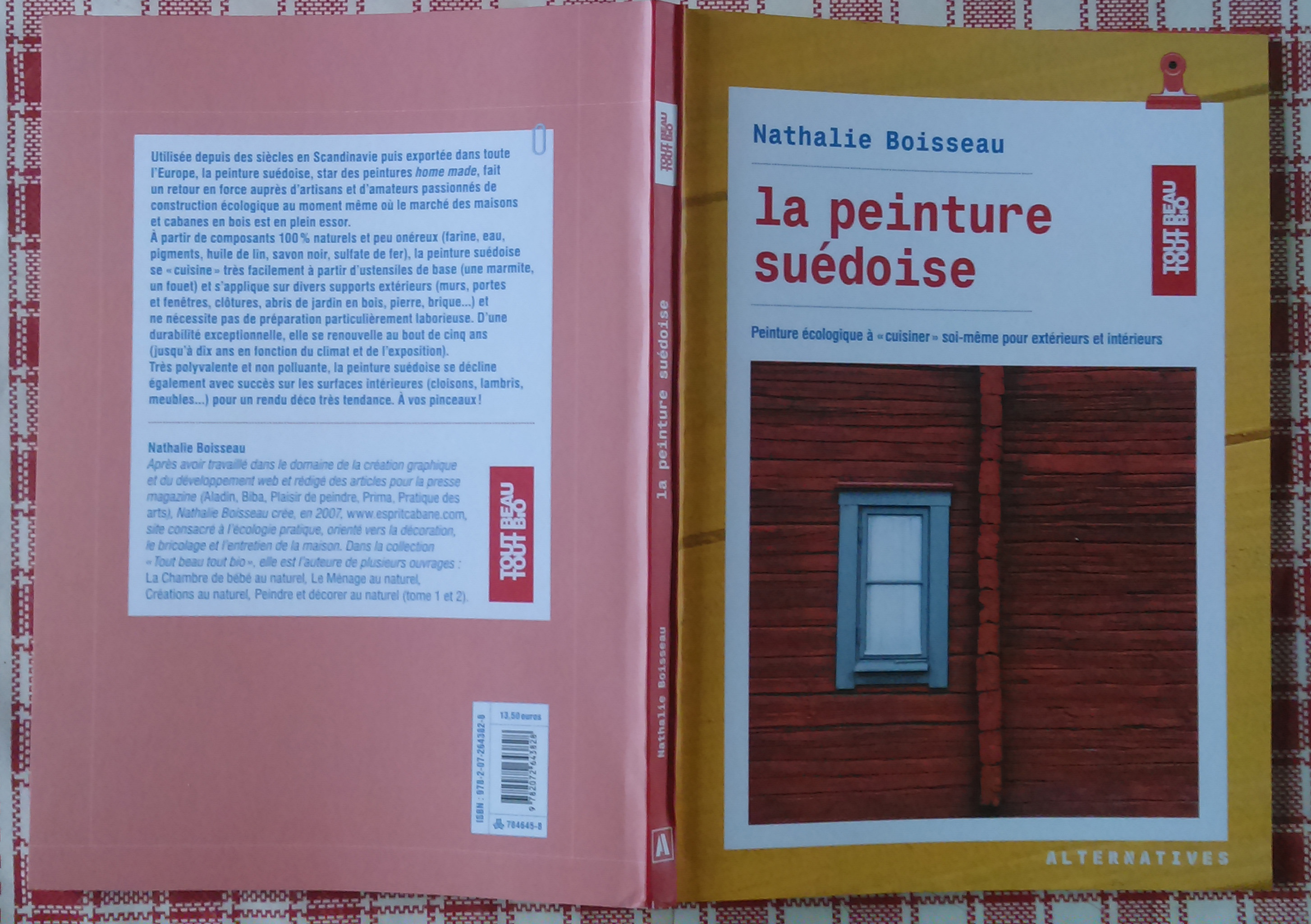 Voici un nouvel ouvrage de Nathalie, ce coup ci elle s'attaque à la peinture à la farine, dite peinture suèdoise, dont nous avions déjà exposé la recette. Nathalie a rassemblé...
